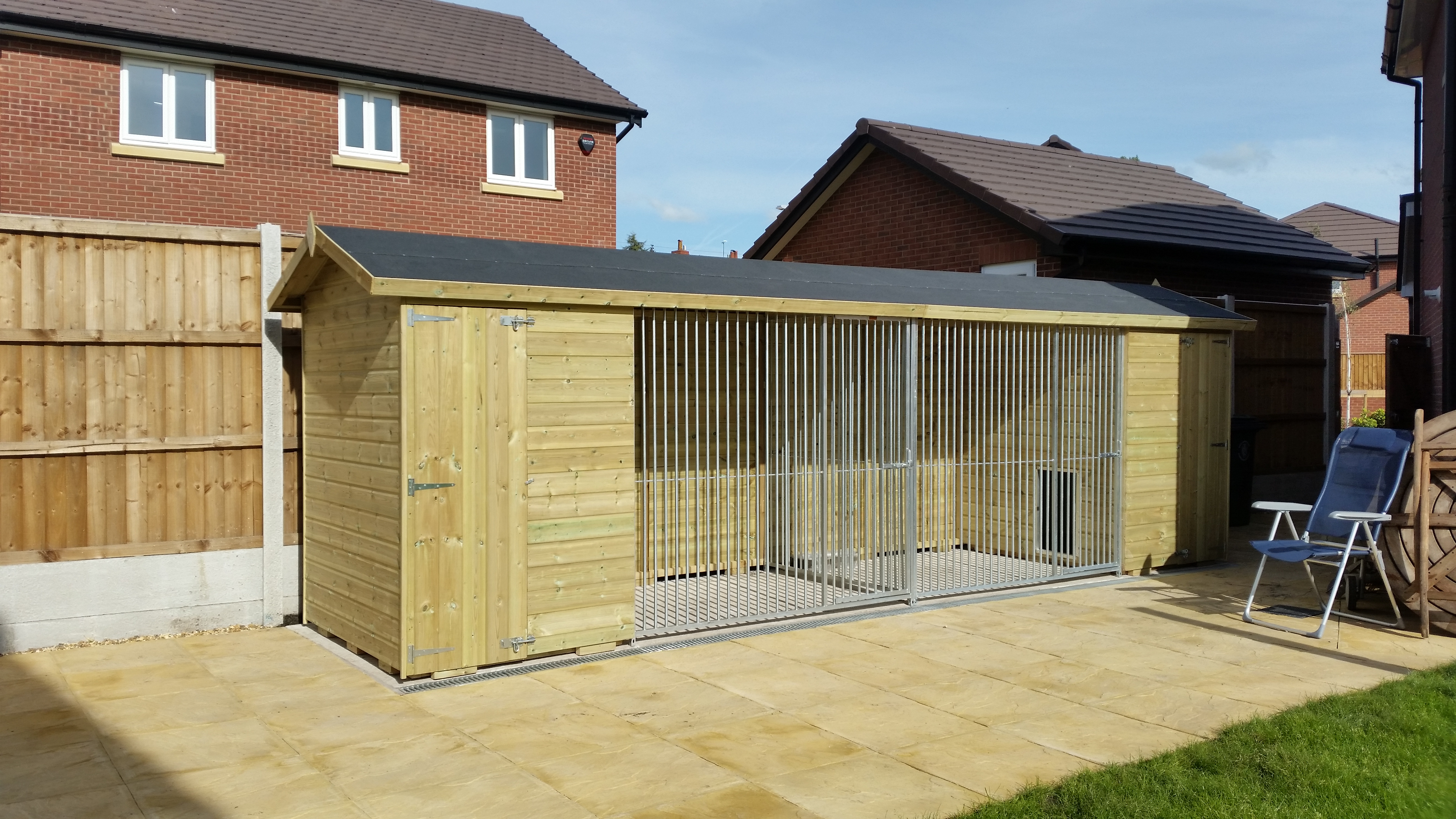 The Wymbury Double 21ft Wide x 5ft Deep Dog Kennel